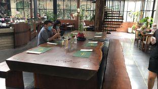 Foto 8 - Makanan(Nice long dining table ) di Jenderal Kopi Nusantara Buwas oleh fify s