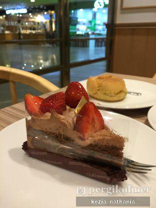 Foto 1 - Makanan di Chateraise oleh Kezia Nathania