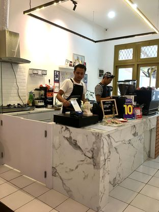 Foto 4 - Interior di Saksama Coffee oleh Prido ZH