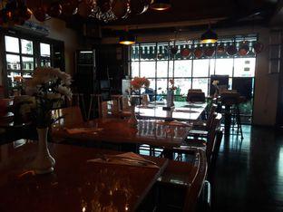 Foto 6 - Interior di Expatriate Restaurant oleh Michael Wenadi