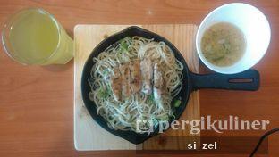 Foto 1 - Makanan di Hajime Ramen oleh Zelda Lupsita