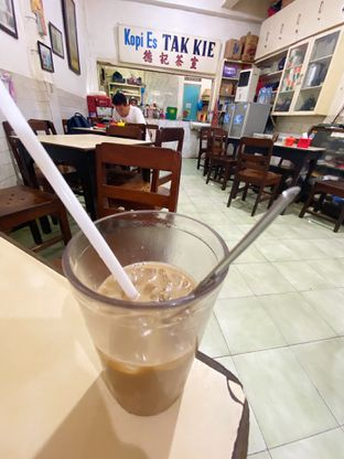 Foto 2 - Makanan di Kopi Es Tak Kie oleh iminggie
