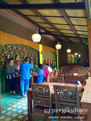 Foto 7 - Interior di Warung Cepot oleh @NonikJajan