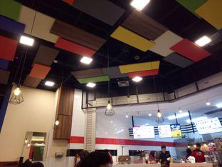 Foto 3 - Interior di Holdak Crispy Chicken oleh Laksmi paopao