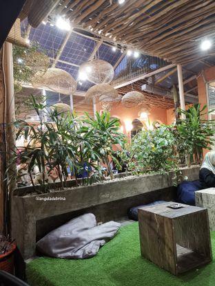 Foto 3 - Interior di Tropikal Coffee oleh Angela Debrina