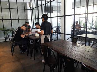 Foto 3 - Interior di D' Oeleg Indonesian Resto & Cafe oleh Nisanis