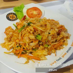 Foto 2 - Makanan(Pad Kee Mao) di Taste of Thailand oleh @teddyzelig