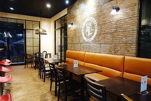 Foto 12 - Interior di Eataly Resto Cafe & Bar oleh iminggie