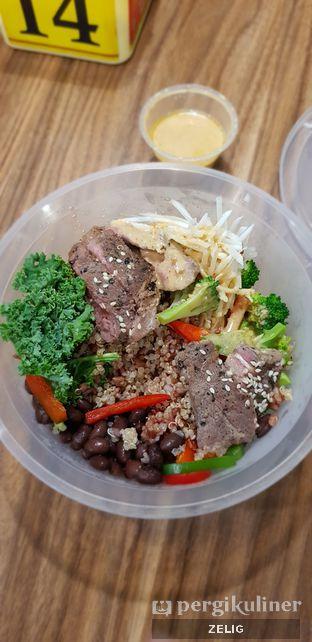 Foto - Makanan di SaladStop! oleh @teddyzelig