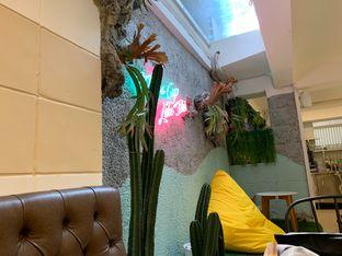 Foto 5 - Interior di Wake Cup Coffee oleh shasha