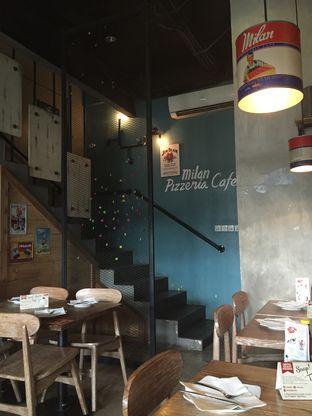 Foto 4 - Interior di Milan Pizzeria Cafe oleh Theodora
