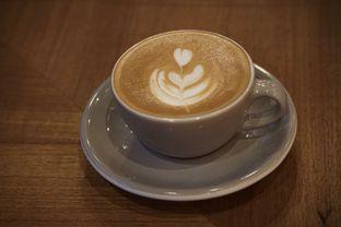 Foto 4 - Makanan(Cappuccino) di Kopi Warga oleh Fadhlur Rohman