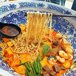 Foto 3 - Makanan(Big Bowl Curry Mee) di Legend Kitchen oleh duocicip