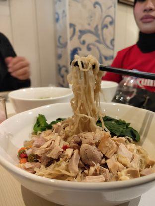 Foto 2 - Makanan di IWS Noodle & Cafe oleh Opie Quqisqu