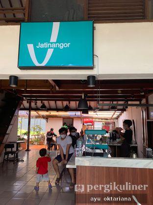 Foto 4 - Interior di Jatinangor Coffee oleh a bogus foodie