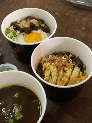 Foto review Rawon Bar oleh Makan2 TV Food & Travel 5
