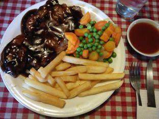 Foto 4 - Makanan di Tizi's Cakeshop & Resto oleh Trias Yuliana
