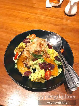 Foto 1 - Makanan(Grilled Pumpkin & Tofu Salad) di Greyhound Cafe oleh Rachel Intan Tobing