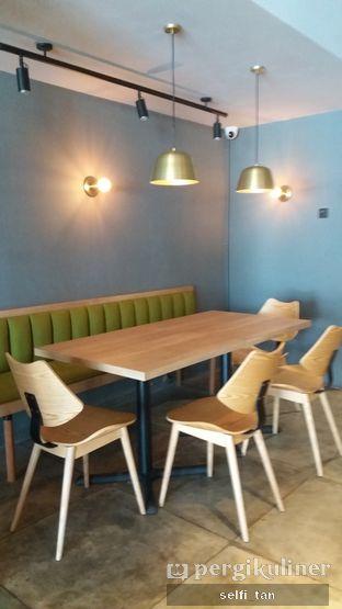 Foto 8 - Interior di Harliman Boulangerie oleh Selfi Tan