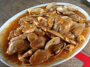 Foto 7 - Makanan(Kerang Batik Saus Padang) di Bandar Djakarta oleh awakmutukangmakan