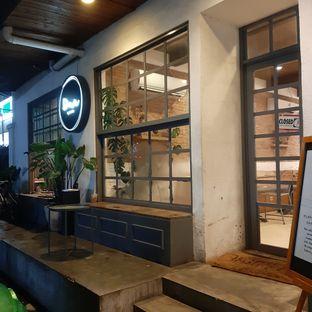 Foto 3 - Interior di Dua Coffee oleh Amanda Nurviyan