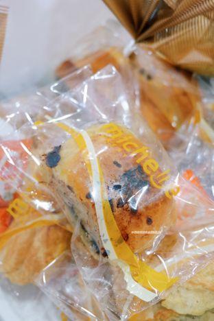 Foto 1 - Makanan di Michelle Bakery oleh Indra Mulia