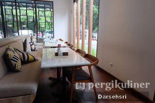 Foto 6 - Interior di Lewis & Carroll Tea oleh Darsehsri Handayani