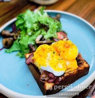 Foto 2 - Makanan(six ounces benedict) di Six Ounces Coffee oleh Sienna Paramitha