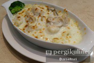 Foto 1 - Makanan di Hong Kong Cafe oleh Darsehsri Handayani