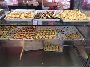 Foto 6 - Makanan di Roti Unyil Venus oleh Irine