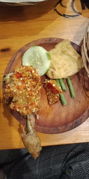 Foto 4 - Makanan di Ayam Goreng Nelongso oleh Julia Intan Putri