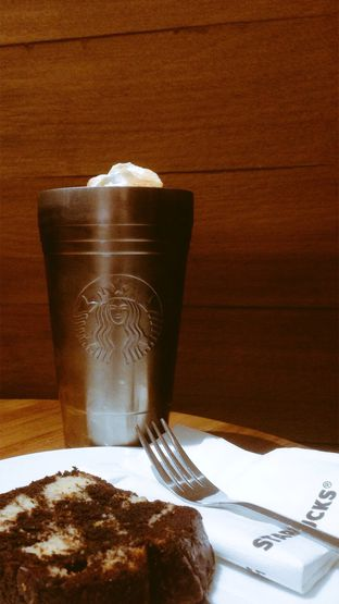Foto review Starbucks Coffee oleh Reymond Kukus 1