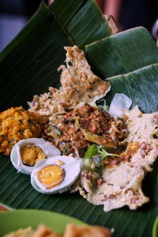 Foto 1 - Makanan di Pecel Pincuk Ibu Ida oleh Nanakoot