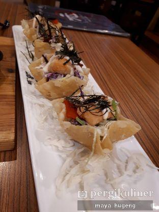 Foto 2 - Makanan(Salmon salad) di Hajime Ramen oleh maya hugeng