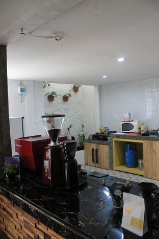 Foto 8 - Interior di Hidden Haus Coffee & Tea oleh Prido ZH