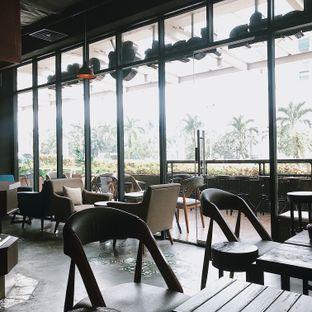 Foto 4 - Interior di Gloria Jean's Coffees oleh Della Ayu