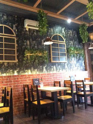 Foto review Home Cafe oleh Dina Ambrukst 4