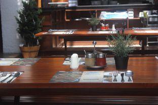 Foto 7 - Interior di Bavarian Haus Bratwurst & Grill oleh yudistira ishak abrar