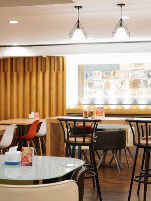 Foto 6 - Interior di Kojima Burger & Coffee oleh Huntandtreasure.id