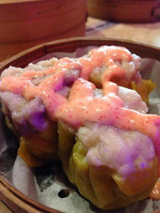 Foto 3 - Makanan(Siewmai Ayam Mentai) di Wang Fu Dimsum oleh awakmutukangmakan