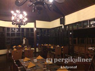 Foto 2 - Interior di Meranti Restaurant oleh Ladyonaf @placetogoandeat