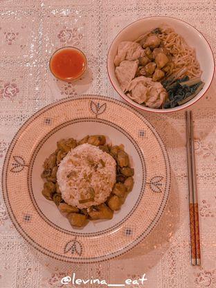 Foto 1 - Makanan di Bakmi GM oleh Levina JV (IG : levina_eat )