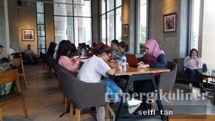 Foto 3 - Interior di Starbucks Coffee oleh Selfi Tan