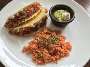 Foto 6 - Makanan di Amigos Bar & Cantina oleh FebTasty  (Feb & Mora)