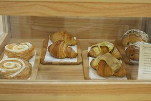 Foto 11 - Interior di Evlogia Cafe & Store oleh Deasy Lim