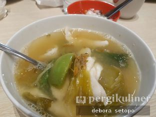 Foto - Makanan di Sop Ikan Batam oleh Debora Setopo