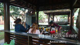 Foto 7 - Interior(saung) di Rumah Makan Rindang Alam oleh AndaraNila