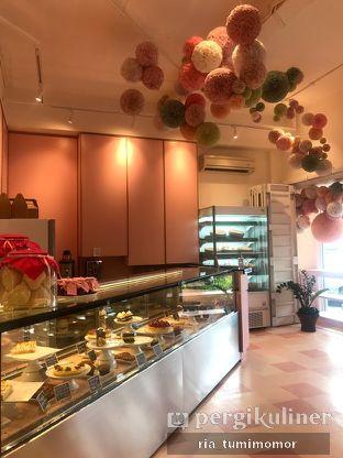 Foto 3 - Interior di Mister & Misses Cakes oleh riamrt