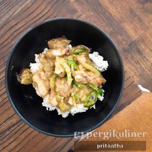 Foto 1 - Makanan(Ayam Cabe Hijau) di Wheels and Brakes Cafe oleh Prita Hayuning Dias