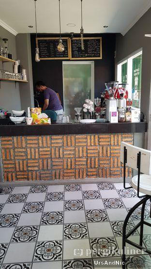 Foto 9 - Interior di Nongkee Coffee oleh UrsAndNic